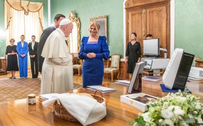 AgeVolt NEXT as a gift from the President of the Slovak Republic to Pope Francis
